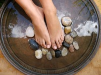 Treating Feet and Moisturizing